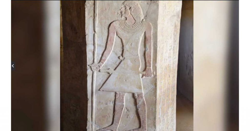 Ankhtifi-standing-in-his-tomb