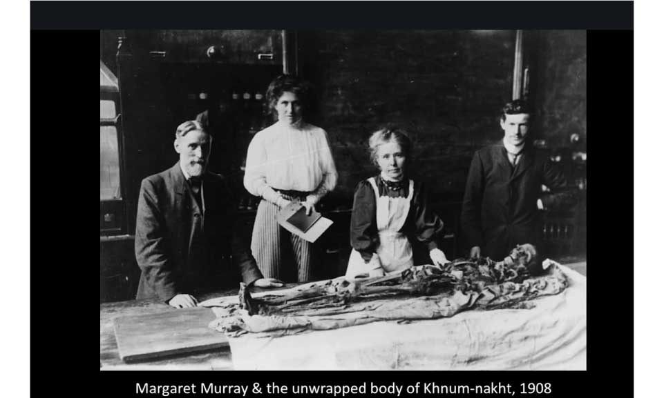 Margaret-Murray-&-the-unwrapped-body-of-Khnum-nakht-1908
